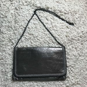 Phase3 clutch crossbody